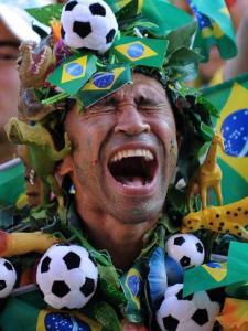 697345-brazilian-soccer-fans